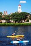 Harvard en Kayakers stock afbeelding