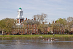 Harvard-Gebäude entlang dem Charles-Fluss Lizenzfreie Stockfotografie