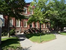 Harvard Hall, Harvard gård, Harvarduniversitetet, Cambridge, Massachusetts, USA Royaltyfri Bild