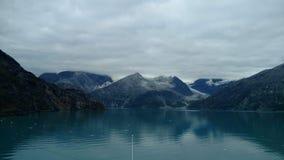Harvard lodowa szkoły wyższej Fjord Alaska Wielki lodowiec ono ślizga się w ocean spokojnego w Alaska fotografia stock