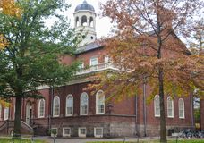 Harvarduniversitetetbyggnaden i Cambridge, Massachusetts, USA arkivfoto