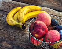 The harvest of autumn fruits Royalty Free Stock Photos