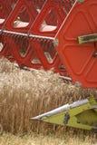 Harvester i arbete royaltyfri bild
