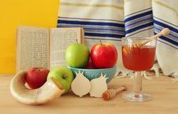 Hashanah de Rosh y x28; holiday& judío x29 del Año Nuevo; concepto Símbolos tradicionales Fotografía de archivo