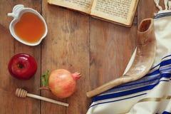Hashanah de Rosh y x28; nuevo Year& judío x29; concepto Símbolos tradicionales Fotos de archivo libres de regalías