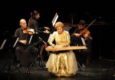 Hasmik Leyloyan utför, Oktober 01 2012, Bahrain Royaltyfri Bild