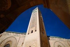 Hassan II moské under den blåa himlen i Casablanca, Marocko Royaltyfria Bilder