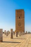 Hassan Tower nära mausoleet Mohammed V i Rabat Marocko Arkivfoto
