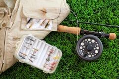 Haste e acessórios de pesca da mosca Imagens de Stock Royalty Free