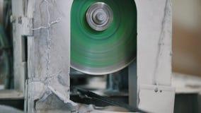 Hastes de fibra de vidro do corte - fabricação do reforço composto, indústria para a construção, fim acima filme