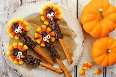 Hastes do pretzel do peru da ação de graças com milho de doces Fotografia de Stock Royalty Free