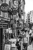 Hastig gata i staden av London - ett upptaget ställe - LONDON - STORBRITANNIEN - SEPTEMBER 19, 2016 Arkivfoto