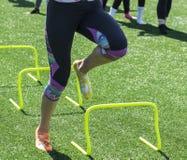 Hastighet och vighet borrar färgrika sockor för iin arkivfoton