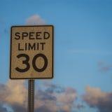 Hastighetsbegränsning royaltyfri fotografi