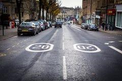 Hastighetsbegränsning i staden Royaltyfria Foton