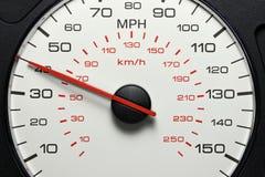 Hastighetsmätare på 40 MPH Royaltyfri Bild