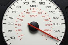 Hastighetsmätare på 150 MPH Fotografering för Bildbyråer