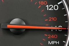 Hastighetsmätare på 140 MPH Fotografering för Bildbyråer