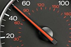 Hastighetsmätare på 50 MPH Arkivfoto