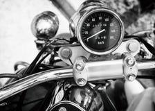 Hastighetsmätaremått av den klassiska motorcykeln Arkivbilder