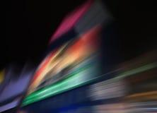Hastighetssuddighet av staden på nattbakgrund Fotografering för Bildbyråer