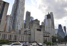 Hastighetsuniversitetbyggnad av östliga Manhattan från New York City i Förenta staterna Arkivfoto