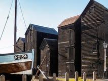 HASTINGS ÖSTLIG SUSSEX/UK - NOVEMBER 06: Fiskares skjul och B Royaltyfria Bilder