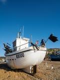 HASTINGS ÖSTLIG SUSSEX/UK - NOVEMBER 06: Fiskebåt på vara Royaltyfria Bilder