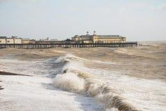 hastings mola morze burzowy Zdjęcie Royalty Free