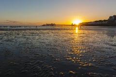 Hastings-Pier bei Sonnenuntergang Lizenzfreie Stockbilder
