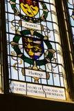 Hastings vapensköld på färgrikt målat glassfönster i den Chichester domkyrkan Royaltyfria Bilder