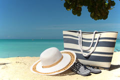 Hat beach bag and flip-flops Royalty Free Stock Image