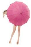Hat sich für einen Regenschirm versteckt Lizenzfreies Stockbild
