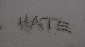 HATE weg gewaschen auf dem Strand stock video footage