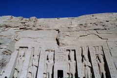 Hathor阿布格莱布Simbel Nefertari寺庙  免版税图库摄影