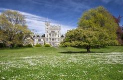Hatley slott på våren, Kanada Arkivfoto