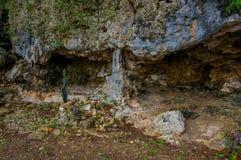 HATO, CURAÇAO - 2 DE NOVIEMBRE DE 2015: Las cuevas de Hato son cuevas de la demostración y atracción turística popular en la isla Imagen de archivo libre de regalías