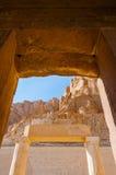 Hatshepsut tempel i dalen av konungarna arkivfoto