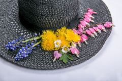 Hatt med blommor 2 Royaltyfri Fotografi