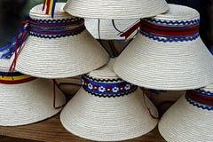 Hattar för traditionell romanian för mens Arkivfoto