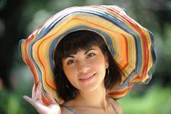 hattkvinnabarn Arkivfoto
