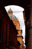 Haube der Basilika im Bologna, Italien Lizenzfreies Stockfoto