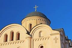 Hauben der orthodoxen Kirche von Pirogoshchas Jungfrau in Kyiv Ukraine stockfotos