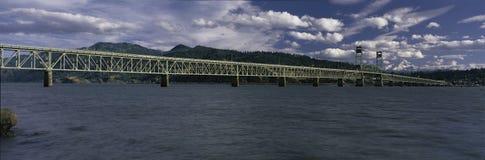 Hauben-Fluss-Zoll-Brücke lizenzfreie stockbilder