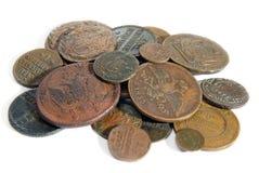 Haufen der alten Kupfermünzen Stockfoto