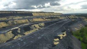 Haufen der Kohle stock footage