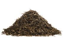 Haufen des Gebräus des grünen Tees lokalisiert auf Weiß lizenzfreies stockbild