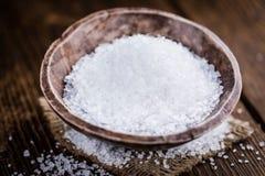 Haufen des groben Salzes stockbild