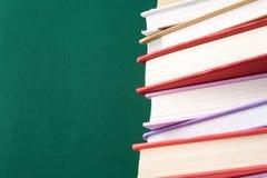Haufen von Büchern Stockfotos