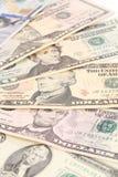 Haufen von Dollarscheinen Stockfotos